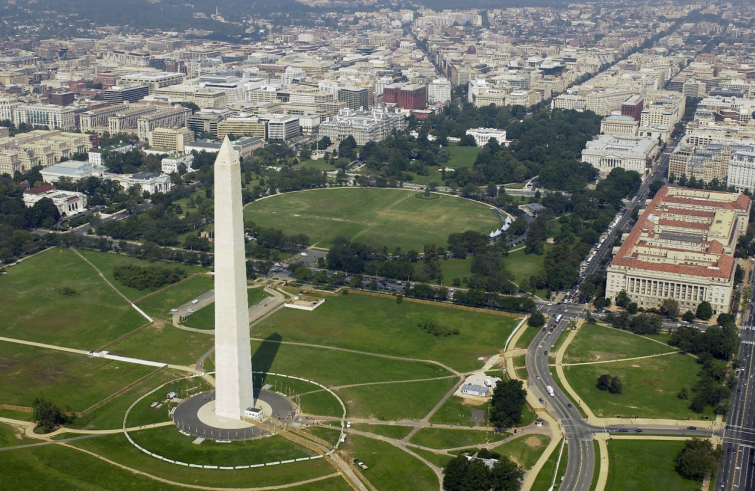 030926-F-2828D-080 Washington, D.C. (Sept. 26, 2003) -- Aerial view of the Washington Monument with the White House in the background.  DoD photo by Tech. Sgt. Andy Dunaway. (RELEASED)