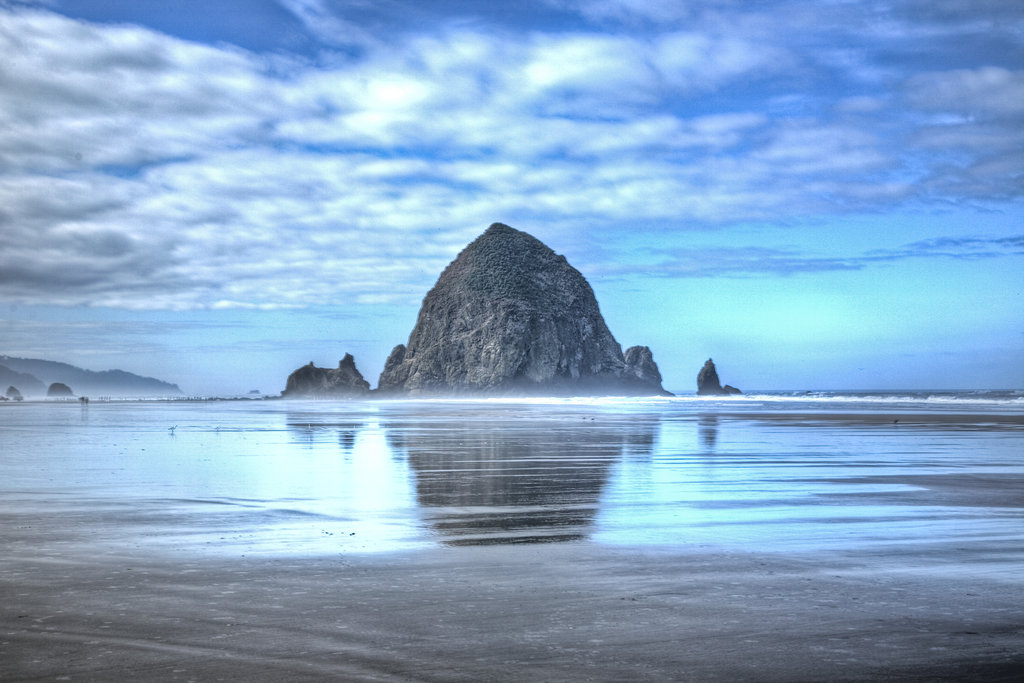 haystack_rock_cannon_beach_hdr_by_aaronplotkinphoto