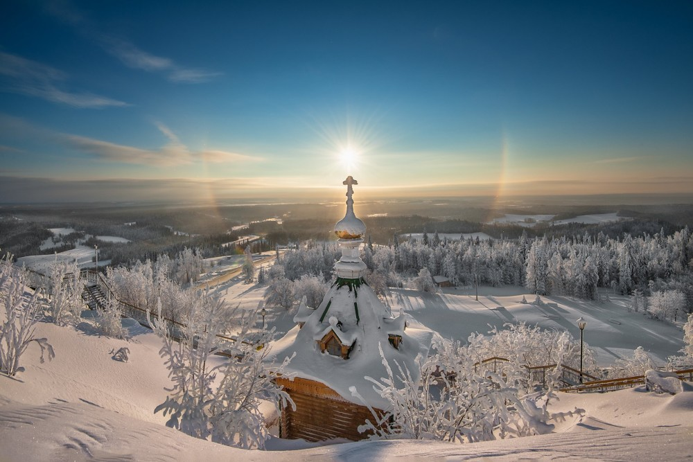 christmas-halo-christmas-belogorie-ural-monastery-sacred-spring-winter-vera-religion-sun-cross-church-snow-frost-sunrise-space-the-distance-lights-beauty-miracle-vlad855-vladimir-chuprikov