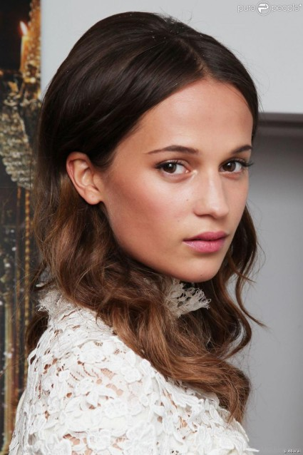 Swedish actress Alicia Vikander, who is apparently not at all Jewish.