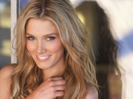 "Australian something or other, 5' 10"" Delta Goodrem."