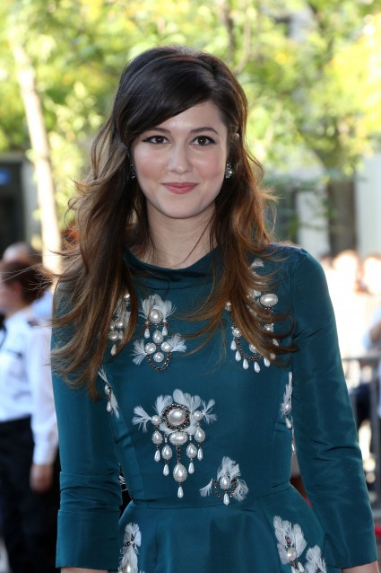 "Playful-looking Mary Elizabeth Winstead attends the ""Smashed"" premiere in Toronto 2012"