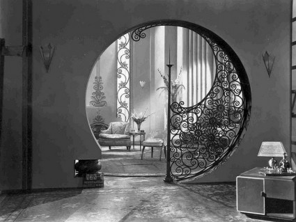 Art deco passage way (HT: S. C. Hickman)