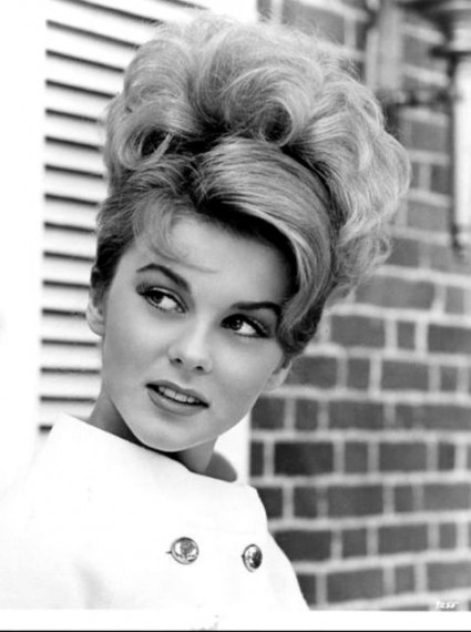 Ann Margret remains in her 1st marriage which began in 1967.