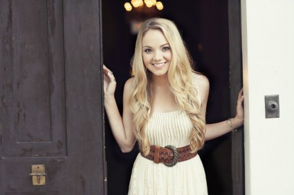 Country Music Singer, Danielle Bradbery.